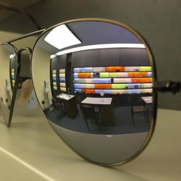 Ammann Optik im Spiegel einer Sonnebrille